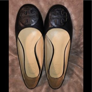 TORY BURCH 7 Black Leather Ballet Flats Shoes Logo
